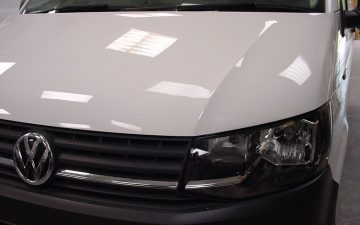 A repair to the bonnet on a VW T6 TRANSPORTER